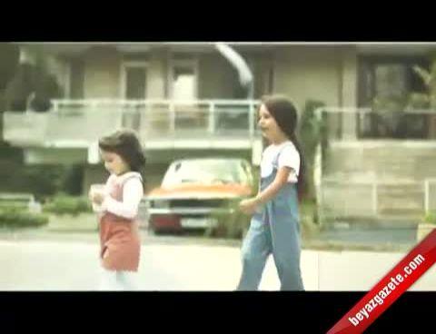 Nil Karaibrahimgil - Pınar Süt Büyüdüm Büyüdüm Pınar'la Büyüdüm