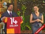 Simge Fıstıkoğlu'dan Beyazıt Öztürk'e Sneijder Forması
