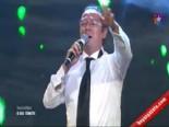 O Ses Türkiye'de Hakan Er İngilizce Okuduğu Türk Sanat Müziği İle Şaşırttı!