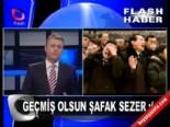 Flash TV Ana Haber Bülteni Şafak Sezer İle Dalga Geçti