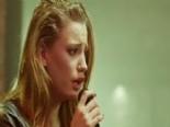 Medcezir 15. Bölüm : Mira (Serenay Sarıkaya)'dan İsyan Şarkısı online video izle