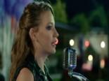 Serenay Sarıkaya Kendi Sesiyle Yaz Yaz Yaz Şarkısı - Medcezir Dizisi