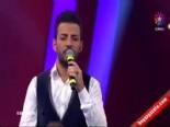 O Ses Türkiye - Tamer 'Bu adam benim babam' şarkısıyla Hadise'yi ağlattı