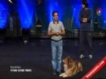 Yetenek Sizsiniz Kuçuların Efendisi Ve Köpeğinin Gösterisi