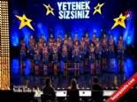 Yetenek Sizsiniz Türkiye Kuzeyin Uşakları'nın Dans Gösterisi İzle (08.12.2013)