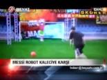 Messi robot kaleciye karşı