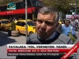 Yayalara 'Yol' vermeyen yandı  online video izle