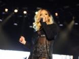 Rihanna İstanbul Konseriyle Türk Hayranlarını Çoşturdu İzle online video izle