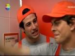 Pis Yedili 70. Bölüm: Zeki ve Furkan Tuvaletleri Temizledi online video izle
