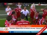 Guardiola Oyuncusu Thiago Alcantaraya Tokat Attı  online video izle