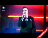 Beyaz Show - Mustafa Ceceli'den Canlı Performans 'Söyle Canım'  online video izle