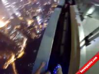 Paraşütüyle 396 metre yükseklikteki binaya indi