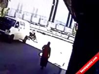 Otomobilin Çarptığı Kadın Böyle Havaya Uçtu