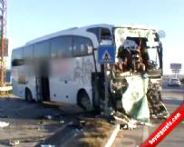 Otobüsle kamyon çarpıştı: 2 ölü, 15 yaralı - MERSİN