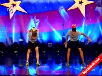 Yetenek Sizsiniz Türkiye, Eren Roı ve Hasan Can   Freestyle Gösterisi (25 Ekim 2014)