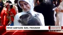 Ahmet Davutoğlu'nun Eşi Sare Davutoğlu Dünyanın En Büyük Koala Parkını Gezdi