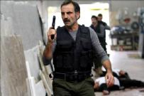 Kaçak  - Bölüm 43, 95 dk izle | Kaçak son bölümde Serhat'a köstebek şoku!