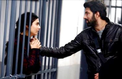 Kara Para Aşk  - Bölüm 27, 112 dk izle | Kara Para Aşk son bölümde Elif özgürlüğüne kavuştu