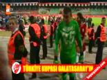 Galatasaraylı Futbolcular Ödüllerini Aldı online video izle
