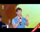 X Factor Türkiye Jürisi Sinan Akçıl'dan 'Tabi Tabi Kim Seviyo Belli' izle&dinle