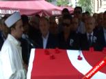 Cenazede Çolpan İlhan'a Hakkını Helal Etmedi  online video izle