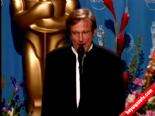 Oscar Ödüllü Oyuncu Robin Williams Öldü  online video izle