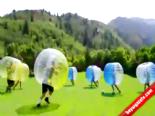 Şişme Balonlarla Dünyanın En İlginç Maçı online video izle