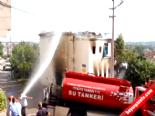 Alevler arasından çocuklarını kurtardı Haberi online video izle