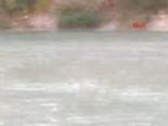 Piknikçiler baraj suyuna kapıldı: 5 ölü  online video izle