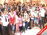 Gökhan Keser'e sevgi seli online video izle