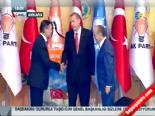 Melih Gökçek ve Kadir Topbaş, Başbakan Erdoğan'a hediye verdi  online video izle