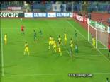 Kaleye geçti 2 penaltı kurtardı  online video izle