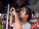 Sanayide çalışan kızlar görenleri şaşırtıyor