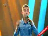 O Ses Türkiye Çocuklar'da Mehmet Çağdaş'ın final performansı