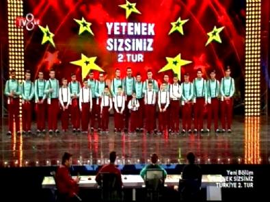 Yetenek Sizsiniz Türkiye - 2015 Grup Kaşıks 2. Tur Performansı (11 Ocak 2015)