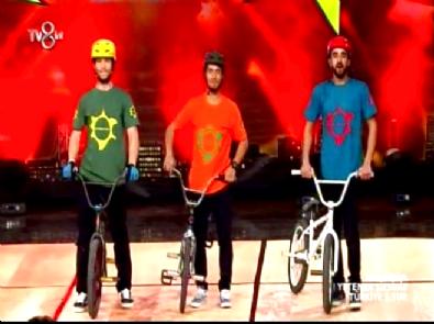 Yetenek Sizsiniz Türkiye - Skate Parkur'un 2.Tur Bisikletle Akrobasi Gösterisi İzle