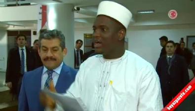 Başbakan Ahmet Davutoğlu'na şiir sürprizi