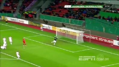 Hakan Çalhanoğlu'ndan müthiş frikik golü