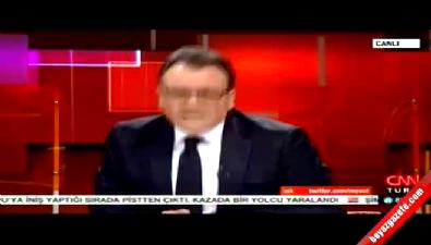 Mesut Yar Simge Fıstıkoğlu'nu fena ti'ye aldı