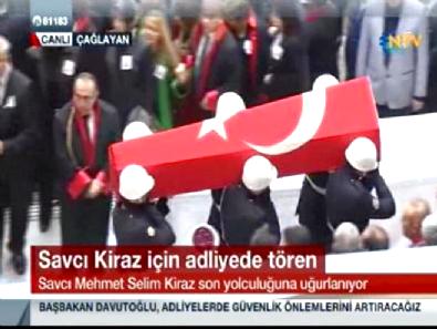 Şehit Savcı Mehmet Selim Kiraz İçin Adliyede Cenaze Töreni Düzenlendi