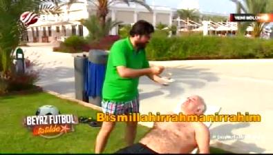 Rasim Ozan, Ahmet Çakar'ı göbek deliğine kadar yağladı