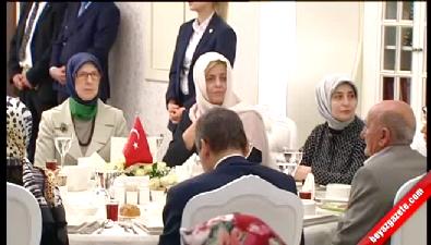 Sare Davutoğlu'ndan şehit aileleriyle duygusal buluşma