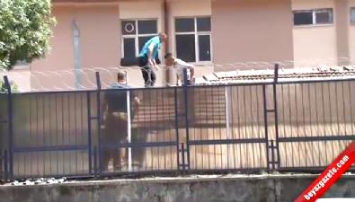 Askeri Binaya El Yapımı Patlayıcı Atıldı