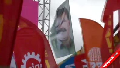 1 Mayıs kutlamalarında Abdullah Öcalan posterleri Haberi
