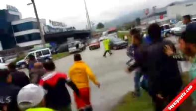 Havaya uyarı ateşi açan polisler taş yağmuruna tutuldu