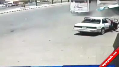 Kontrolden çıkan araç adamı biçti