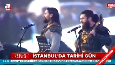 Diriliş oyuncuları Fetih Şöleni'ne damga vurdu Video