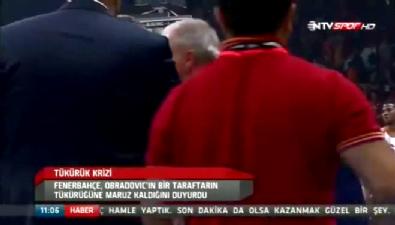 fenerbahce - Obradovic'in suratına sıvı işte böyle geldi
