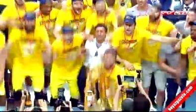 fenerbahce - Fenerbahçe şampiyonluk kupasını aldı