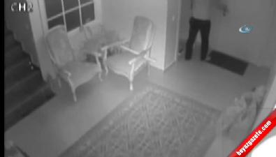 Villaya giren hırsızı köpek kovaladı